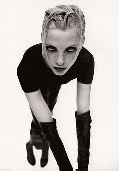 6792: Nadja Auermann photographed by Mario Sorrenti.
