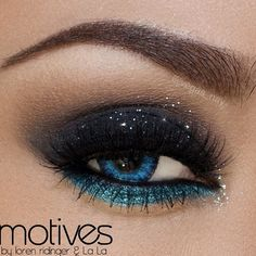 black and blue glitter smokey eye makeup look #blueeyes