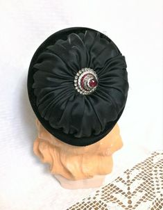Vintage Black Velvet and Satin Hat with Amazing Rhinestone Accent On Top Berger's Buffalo Size 22 Vintage Ladies, Vintage Hats, Hat Making, Black Velvet, Vintage Black, Buffalo, Satin, Amazing, Top