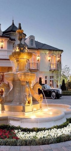 French chateau style driveway with fountain Find beautiful decorative lighting a. - French chateau style driveway with fountain Find beautiful decorative lighting accessories at creat - Dream Home Design, My Dream Home, Dream Mansion, Luxury Homes Dream Houses, Dream Homes, French Chateau, Luxury Living, Luxury Lifestyle, Exterior Design