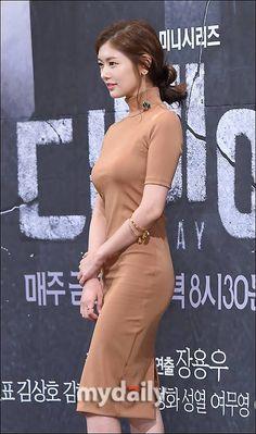 Korean Beauty Girls, Sexy Asian Girls, Korean Girl, Asian Beauty, Jung So Min, Young Actresses, Korean Actresses, Jugend Mode Outfits, Sexy Hips