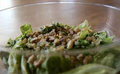 Salada verde cremosa com molho de abacate: receita de Bela Gil - Receitas - Receitas GNT