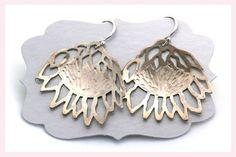 Protea Earrings by Janine Binneman Jewellery Design African Safari, Silver Jewelry, Jewelry Design, Ceramics, Jewels, Drop Earrings, My Love, Jewellery, Floral