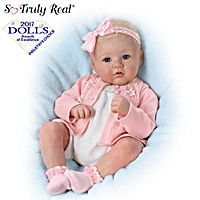 ASHTON-DRAKE ANNIKA DOLL Introducing the Perfect In Pink Annika Baby Doll, a So Truly Real® lifelike baby doll by Master Doll Artist Marissa May, available only from The Ashton-Drake Galleries. This adorable long Collector's Edition baby doll is Ashton Drake, Reborn Babypuppen, Reborn Dolls, Reborn Babies, Reborn Toddler, Toddler Dolls, Toddler Girl, Newborn Baby Dolls, Baby Girl Dolls