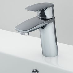 We don't just sell beautiful, individual bathroom products but a coordinated look — products that can be mixed and matched both from an aesthetic and technical perspective. Traditional Taste, Basin Mixer, Design Awards, Can Opener, Cool Designs, Spirit, Ceramics, Products, Hall Pottery