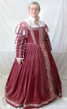 The Italian Showcase - Elaine at the Realm of Venus:  A Florentine Outfit in the Style  of Pisa, 1560s