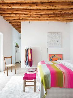 I can't help but fall for this white washed family home in Ibiza with pops of colour. Home Bedroom, Bedroom Decor, Bedroom Ideas, Design Bedroom, Master Bedroom, Neon Bedroom, Bedroom Colors, Farmhouse Side Table, Farmhouse Style