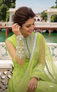 Indian Designer Outfits, Indian Outfits, Designer Dresses, Indian Bridal Sarees, Pakistani Dresses, Pakistani Hair, Indian Gowns, Indian Wear, Latest Anarkali Suits