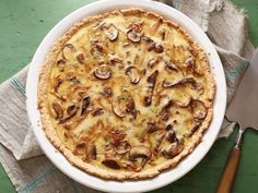 Caramelized Onion, Mushroom and Gruyere Quiche #MeatlessMonday