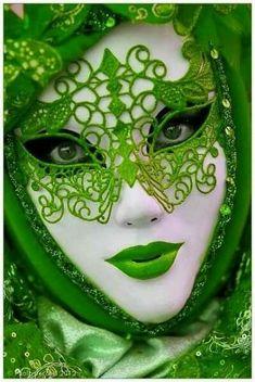 Green – Lovely red lace reveler, Carnival at Venice (myvenetianmaks) @ myvenetia… - Mardi Gras Venetian Carnival Masks, Carnival Of Venice, Costume Carnaval, Carnival Costumes, Arte Peculiar, Costume Venitien, Venice Mask, Beautiful Mask, Beautiful Women