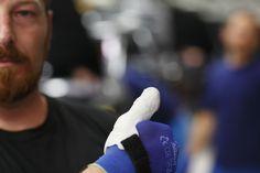 BMW imprime en 3D fundas de pulgares ergonómicas para sus trabajadores de las fábricas - Impresoras3d.com