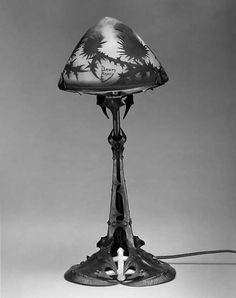 Lamp by Louis Majorelle with glass, iron and gold leaf made in 1900  (The Metropolitan Museum of Art, i.e. The Met Museum, 2017)