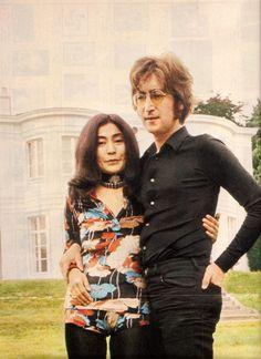 ♥♥Yoko Ono-Lennon♥♥  ♥♥John W. O. Lennon♥♥  At their estate in Ascot, Tittenhurst Park, 1971.