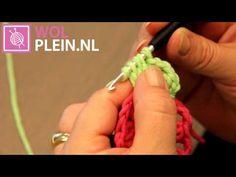 Granny Square zomerkleed haken Crochet Granny, Free Crochet, Crochet Videos, Crochet Projects, Crochet Patterns, Youtube, How To Make, Crafts, Crochet Blankets