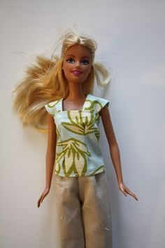 craftiness is not optional: barbie cap sleeve shirt tutorial & other doll clothes tutorials Sewing Barbie Clothes, Barbie Sewing Patterns, Doll Clothes Patterns, Clothing Patterns, Doll Patterns, Skirt Patterns, Blouse Patterns, Barbie Style, Shirt Tutorial