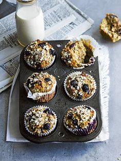 Apricot, blueberry and almond breakfast muffins. Good for a snack too. Brunch Recipes, Breakfast Recipes, Dessert Recipes, Slow Cooker Desserts, Almond Muffins, Breakfast Muffins, Banana Breakfast, Mini Muffins, Think Food
