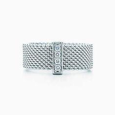 Tiffany Somerset™ ring. Diamonds, sterling silver.