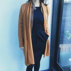 121 mentions J'aime, 39 commentaires - @encoreuneetoile sur Instagram: «Pour réveiller mes robes noires et me mettre aux couleurs de l'automne, longue veste en Jersey…»
