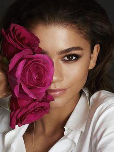 - lancomeuk: It's official: Zendaya is the new Lancôme Global Ambassador - welcome to the family! Zendaya becomes part of the. Lancome, Covergirl, Zendaya Photoshoot, Beauty Photography, Portrait Photography, Zendaya Maree Stoermer Coleman, Photos Originales, Foto Poster, Braut Make-up