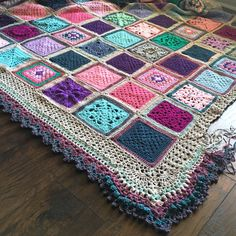 Welcome to the Vibrant Vintage Blanket - Free Crochet Pattern - Information Page! Here you will find the fully-linked timeline (near the top for easy access), design basics, and color choices for our blanket. Crochet Borders, Crochet Squares, Crochet Blanket Patterns, Crochet Motif, Free Crochet, Crochet Granny, Stitch Patterns, Knitting Patterns, Crochet Edgings
