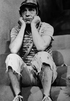 """Roberto Gómez Bolaños, o meu gênio do humor limpo, sutil e camuflado por um aspecto aparentemente """"idiota"""", mas que é na verdade uma grande obra crítica.   A grandiosidade do trabalho de Bolaños: https://www.youtube.com/watch?v=PGNCLWUJvxc"""