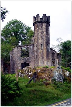 Ancient Castle along the Ring of Kerry - Ireland | ShesCookin.com