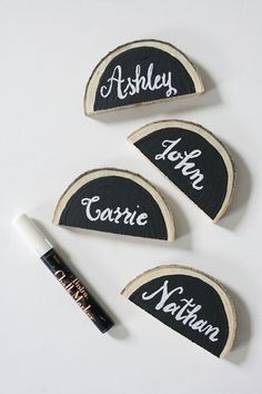 Give your dining room tablesetting a natural feel with these log slivers. Impress your guests by painting with chalkboard paint and seating arrangements!
