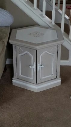 Hexagon end table chalkpaint