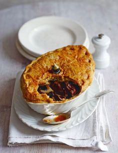 Classic Steak Kidney Pie http://elrecipes.com/classic-steak-kidney-pie/