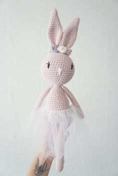 Mesmerizing Crochet an Amigurumi Rabbit Ideas. Lovely Crochet an Amigurumi Rabbit Ideas. Beau Crochet, Crochet Diy, Crochet Amigurumi, Love Crochet, Crochet For Kids, Crochet Dolls, Beautiful Crochet, Fabric Styles, Crochet Rabbit