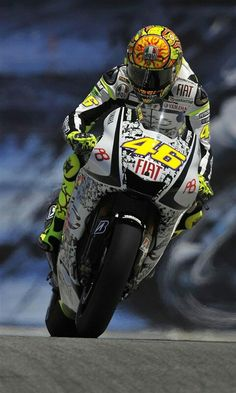Find out Valentino Rossi MotoGP Racer wallpaper on Valentino Rossi Tattoo, Motogp Valentino Rossi, Valentino Rossi 46, Valentino Rockstud, Shoes Valentino, Valentino Couture, Wallpaper Moto, Motorcycle Wallpaper, Iphone Wallpaper