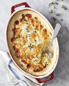 A classic French side dish (similar to potatoes au gratin) made with heavy cream, shredded Gruyère cheese, and sliced potatoes. Potatoes Au Gratin, Sliced Potatoes, Baked Potatoes, French Side Dishes, Most Popular Recipes, Favorite Recipes, Potato Recipes, Potato Dishes, Savoury Dishes