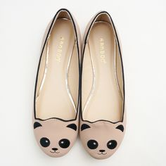 Panda Ballet Flats ($19) ❤ liked on Polyvore featuring shoes, flats, ballerina flat shoes, embroidered shoes, nude flat shoes, flat shoes and nude ballet pumps