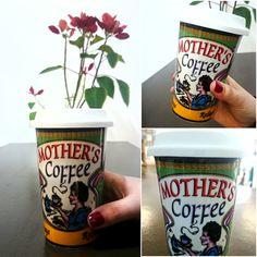 #Taza para llevar #cerámica con #tapa de #silicona y #diseño #retro, es perfecta para que #Mamá se tome sus #cafelitos en el #sofá, en su #escritorio o para llevársela al #trabajo :)