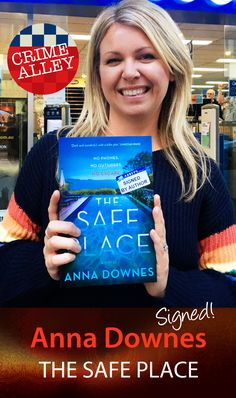 Anna Downes was in a safe place at Abbey's (standing on our Authors' Star) for her scintillating novel about a struggling actress who takes a a live-in job working for a wealthy family on their luxurious coastal property in France. Then things gets weird… #thesafeplace @anna_downes_writer @affirmpress #books #aussieauthors # crimefiction #readers #bookstagram #authorsatabbeys #abbeysbookshop #131york #sydney