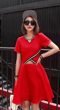 Unique fashion short sleeves crew neck black cutout creped mini dress