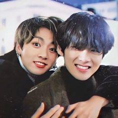 Foto Bts, Foto Jungkook, Yoonmin, Taekook, Die Beatles, Vkook Memes, V Bts Wallpaper, Bts Aesthetic Pictures, V Taehyung