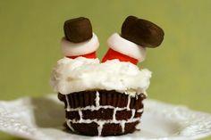 25 Christmas creative cupcakes ideas - Santa stuck in chimney Christmas creative cupcakes