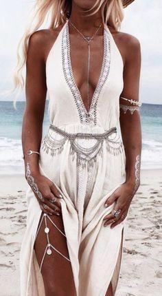 Gypsy Coin Leg Chain Silver Boho Body Jewelry Festival Ornament Bohemian Leg Jewelry - Things to wear - Mode İdeen Boho Mode, Look Fashion, Womens Fashion, Gypsy Fashion, Ibiza Style Fashion, Hippie Chic Fashion, Boho Fashion Summer, Beach Fashion, Indie Fashion