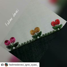 La imagen puede contener: texto - ideas hermosas y diferentes Diy And Crafts, Arts And Crafts, Needle Lace, Crewel Embroidery, Knitted Shawls, Baby Knitting Patterns, Knitting Socks, Sewing Hacks, Needlework