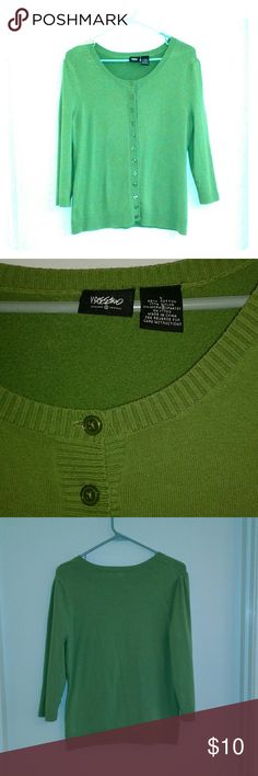 Kelly Green Cardigan Mossimo kelly green button down cardigan. 3/4 sleeve, great condition, worn a handful of times, gently washed and lined dried. Size large Mossimo Supply Co Sweaters Cardigans