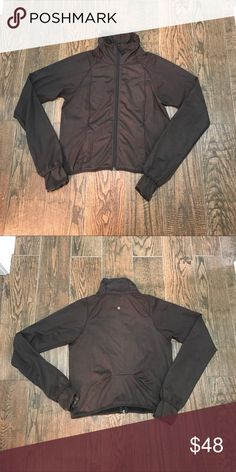 """Women's lululemon Brown Zip light jacket Women's lululemon Brown Zip light jacket, still in good condition, size tag missing but jacket measures from 20"""" armpit to armpit and 25"""" from the neck to the bottom and 30 from the shoulder to sleeve lululemon athletica Jackets & Coats"""