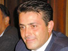 """http://www.bisceglieindiretta.it/2014/05/20/diretta-asta-per-il-bari-calcio-ce-lofferta-di-nicola-canonico/#.U3saV_l_sue DIRETTA / ASTA PER IL BARI CALCIO, C'E' L'OFFERTA DI NICOLA CANONICO Clicca """"mi piace"""" sulla pagina di Bisceglie in diretta per restare sempre aggiornato/a su Bisceglie, 24 ore su 24! https://www.facebook.com/biscegliediretta?ref=hl"""