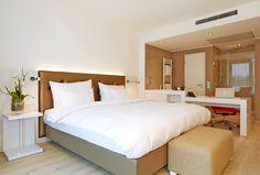Dagaanbieding: Luxe 4* hotel net over de grens in gezellig <b>Kleve</b> bij <b>Nijmegen</b> Bekijk deze dagaanbieding op https://vriendendeal.nl/product/dagaanbieding-luxe-4-hotel-net-over-de-grens-in-gezellig-kleve-bij-nijmegen/