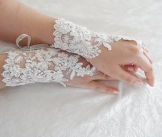 ivory Wedding Gloves ivory lace gloves collar by WEDDINGHome, $39.00