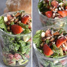 Strawberry salad with asparagus, avocado and almonds. Healthy Snacks, Healthy Eating, Healthy Recipes, Skinny Recipes, Strawberry Avocado Salad, Mason Jar Meals, Mason Jars, Good Food, Yummy Food