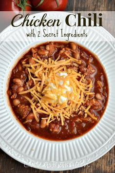 This White Bean Chicken Chili Recipe is spectacular! It's packed with fresh ingredients as well as 2 secret ingredients that the flavors extra special. White Bean Chicken Chili As the cold weather is rolling in, Pastas Recipes, Chili Recipes, Real Food Recipes, Crockpot Recipes, Soup Recipes, Great Recipes, Chicken Recipes, Cooking Recipes, Crockpot Chicken Chili