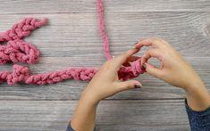 Finger Knitting Blankets, Hand Knit Blanket, Arm Knitting, Crochet Blanket Patterns, Knitted Blankets, Knitting Patterns, Chunky Blanket, Scarf Patterns, Afghan Crochet