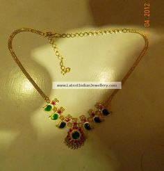 Traditional Mango Palakka Mala with Emeralds and rubies - Latest Indian Jewellery Designs Simple Necklace Designs, Gold Necklace Simple, Gold Jewelry Simple, Gold Earrings Designs, Gold Jewellery Design, Short Necklace, Baby Necklace, Designer Jewellery, Choker Necklaces