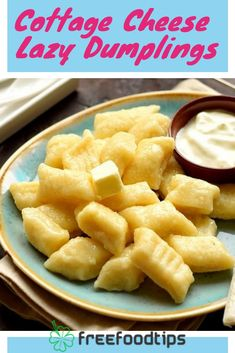 Delicious lazy dumplings with farmers/cottage cheese recipe are perfect for breakfast. They are nourishing and tasty. Easy to cook and has only several ingredients. With our step-by-step recipe you wi Easy Smoothie Recipes, Snack Recipes, Cooking Recipes, Cooking Tips, Easy Recipes, Delicious Recipes, Gnocchi, Cottage Cheese Recipes, Cottage Cheese Dumplings Recipe